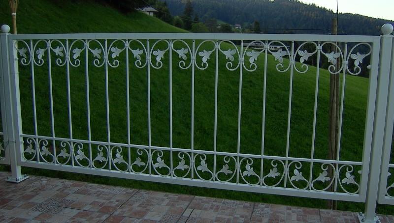 gartenzaun metall bilder: eisenzaun schmiedeeisen metallzaun, Garten und Bauen
