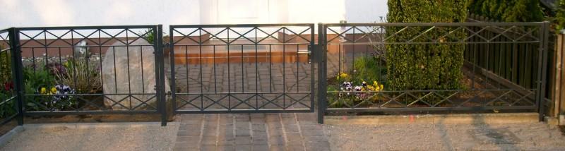 gartenzaun metall modern zaun z une balkon crossline z100. Black Bedroom Furniture Sets. Home Design Ideas
